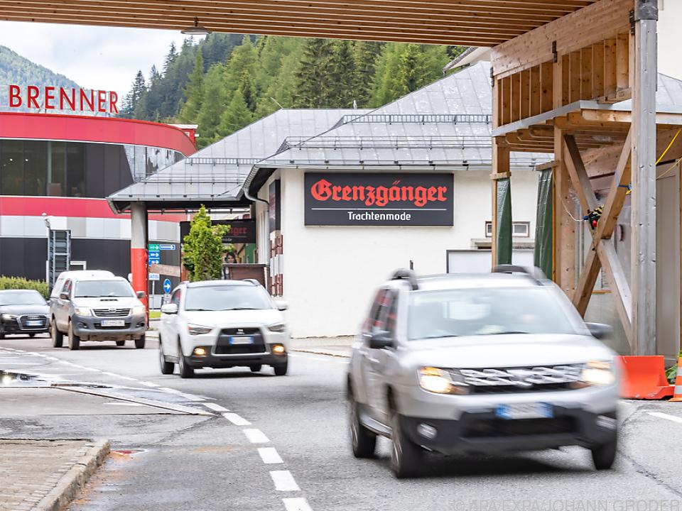 Blick nach Italien am Tiroler Grenzübergang Brenner