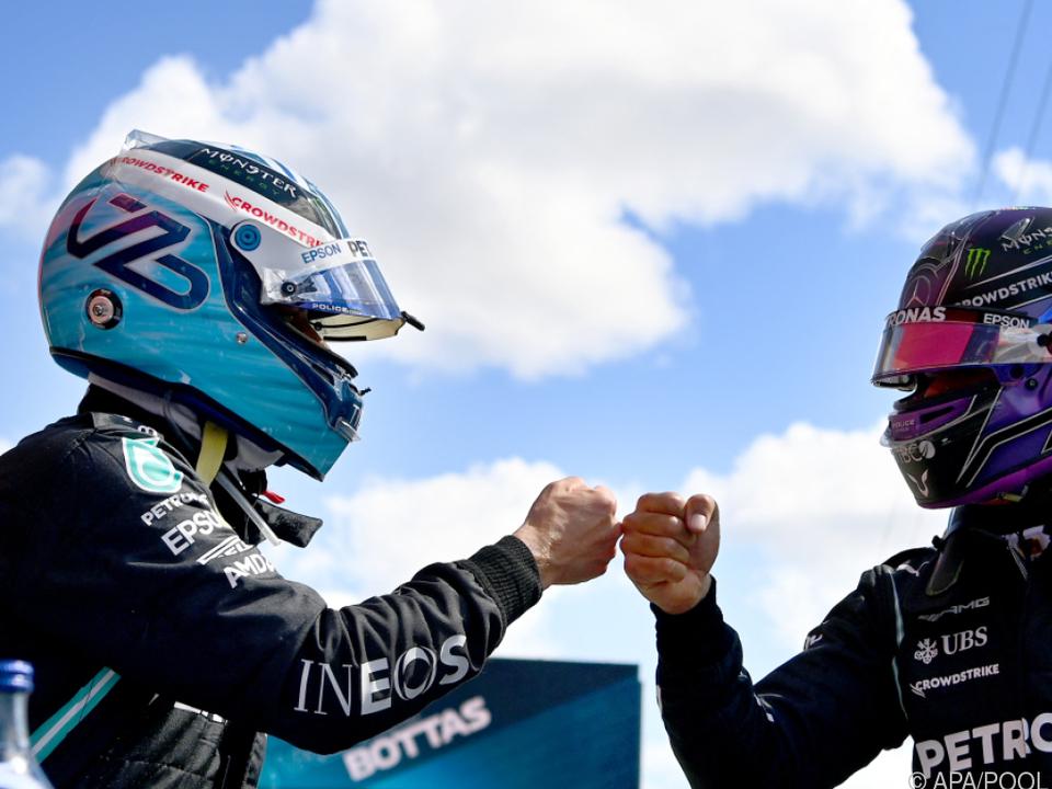 Bottas (l.) und Hamilton durften sich über die erste Startreihe freuen