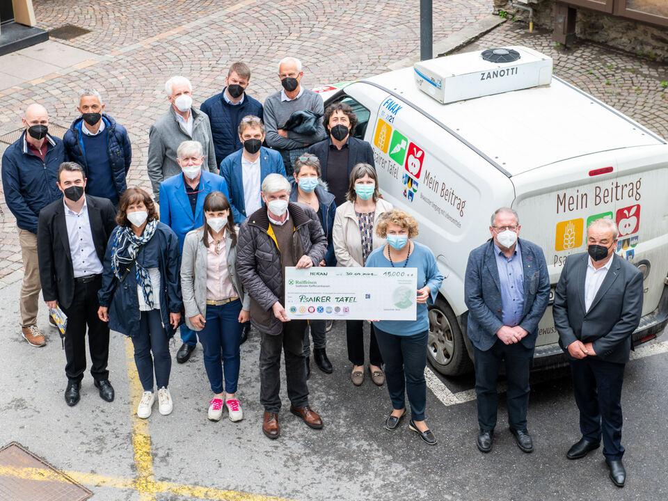 _BürgermeisterInnen und VertreterInnen aus dem Passeiertal mit VertreterInnen der Südtiroler Service-Clubs