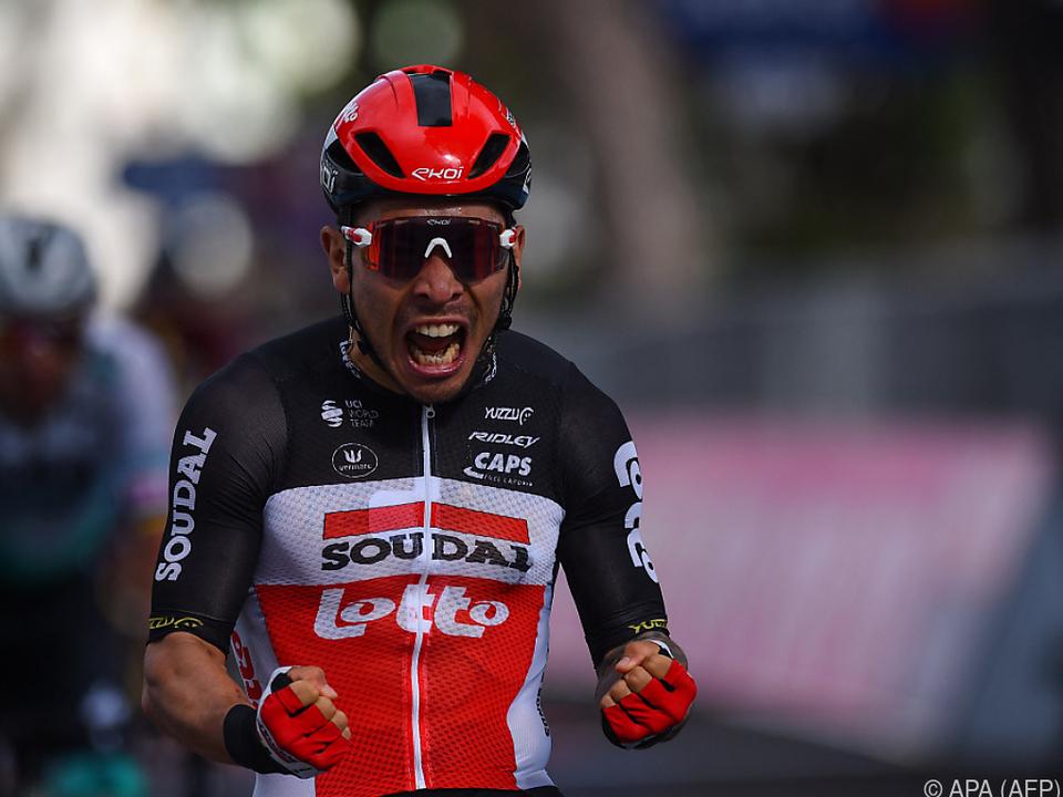 Der Jubel von Caleb Ewan am Ende der 5. Giro-Etappe