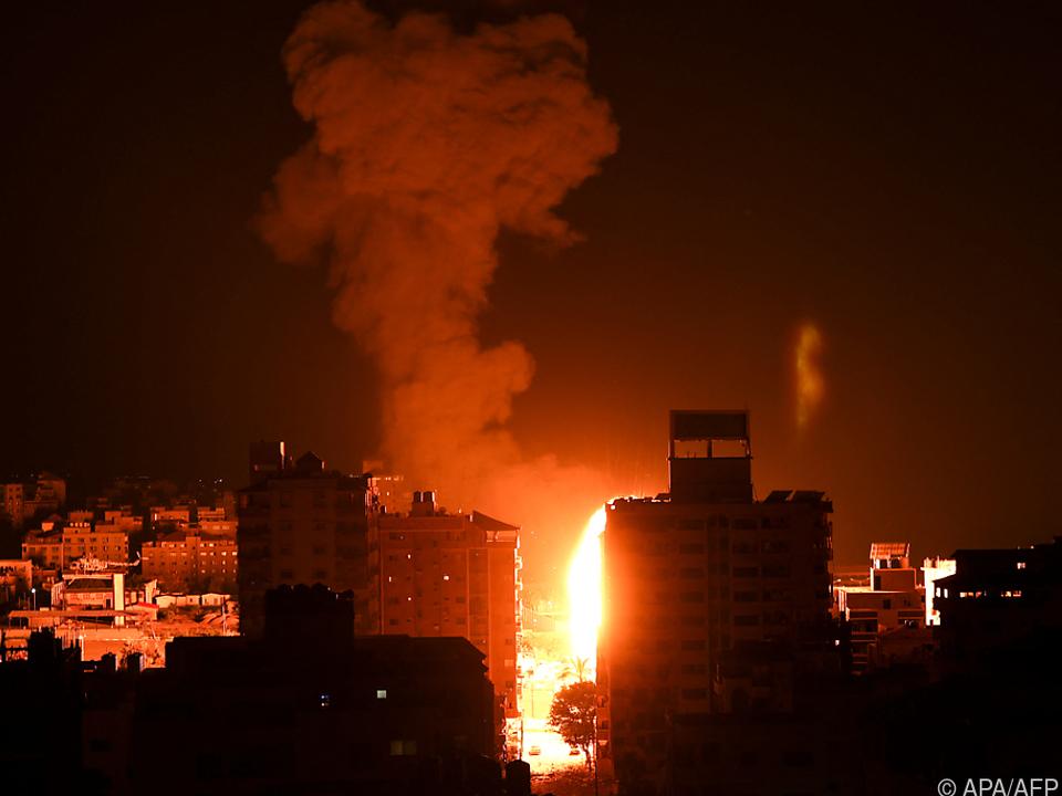Die israelische Luftwaffe flog erneut zahlreiche Angriffe