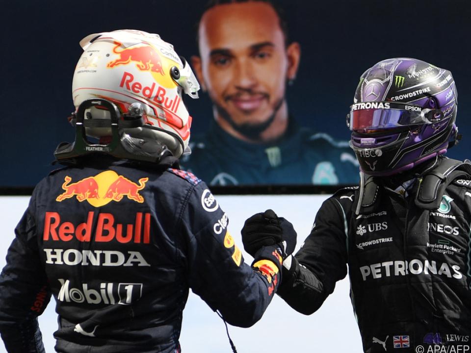 Die WM-Rivalen Verstappen (links) und Hamilton nach dem Portugal-GP