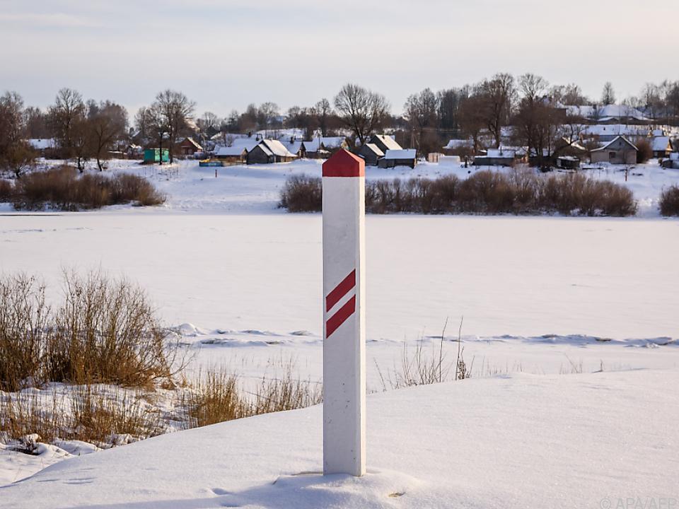 Ein Blick auf die lettisch-belarussische Grenze