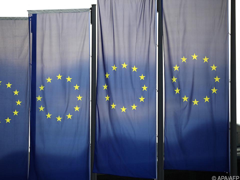EU prüft Verhältnis zu Moskau, Minsk und London