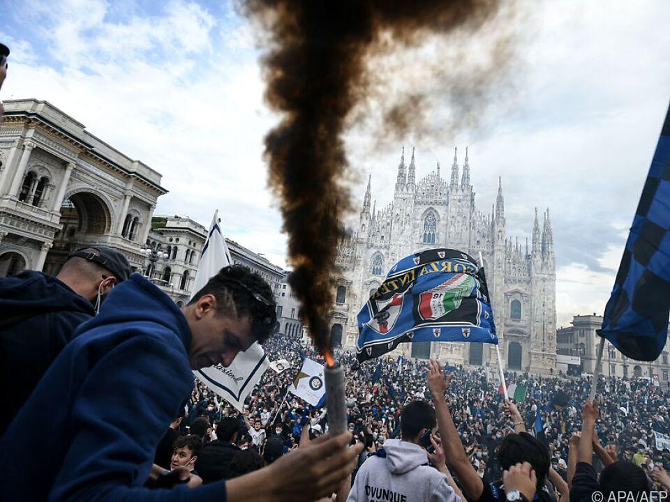 Fans von Inter Mailand feiern den ersten Meistertitel seit 2010