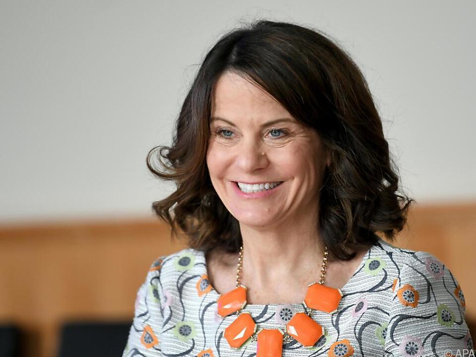 Geschäftsträgerin Dunnigan beim Interview mit der APA in der US-Botschaft in Wien