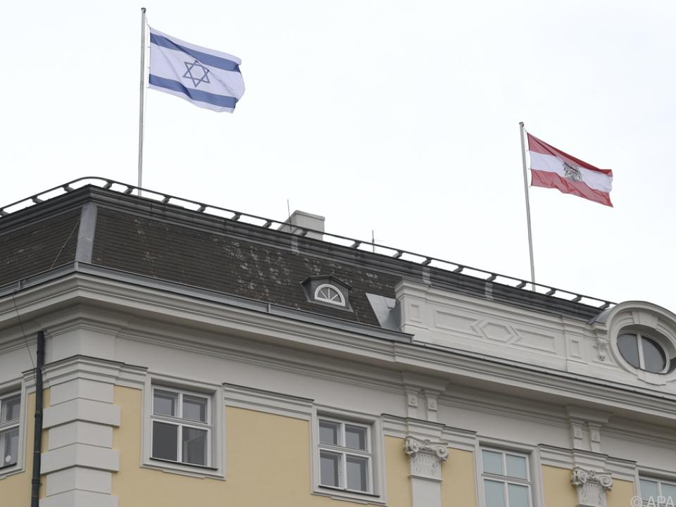 Hissen der Israel-Flagge lässt Wogen hochgehen