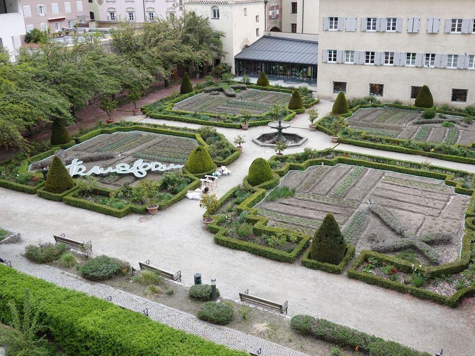 Int. Day of Light- Transform Herrengarten by Petra Polli (c) Andrea Terza