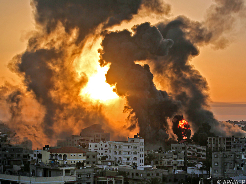 Israel bombardiert den Gazastreifen