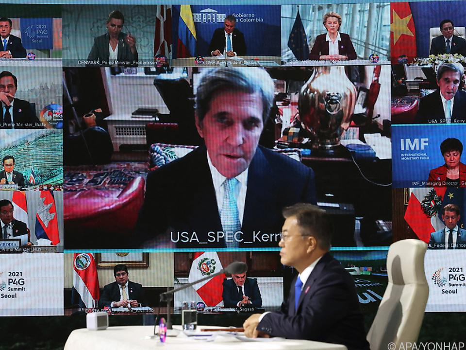 Kerry bei Klimagipfel