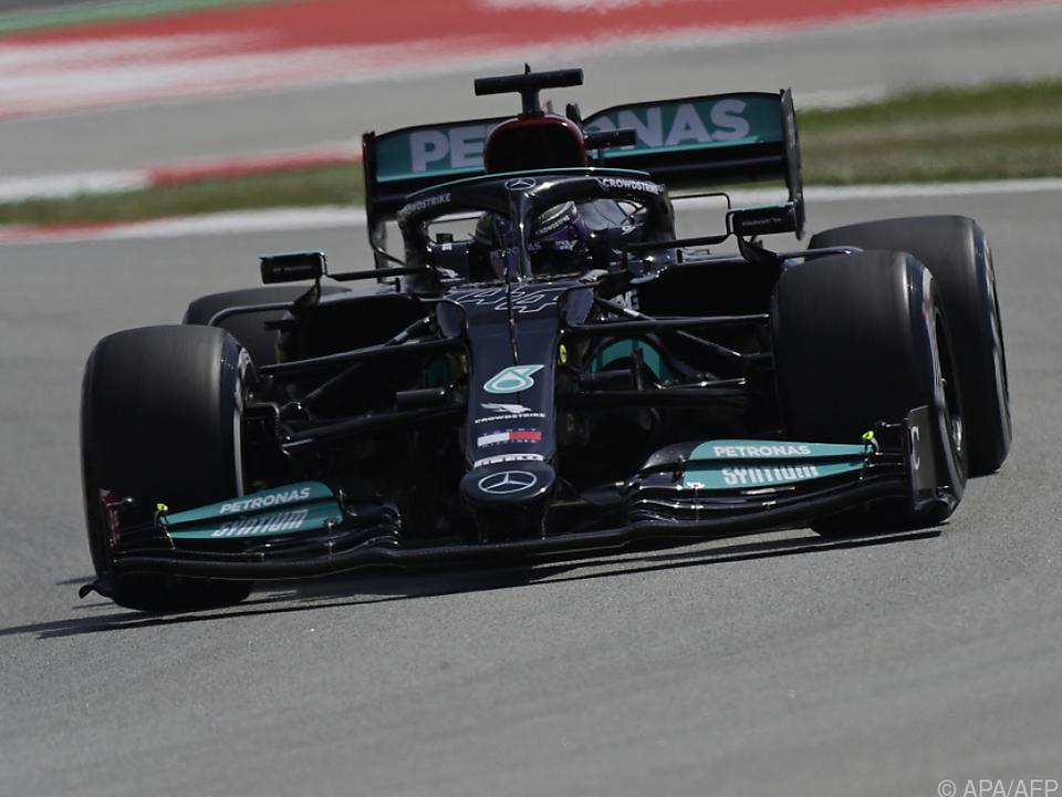 Lewis Hamilton setzte am Freitag gleich eine Duftmarke