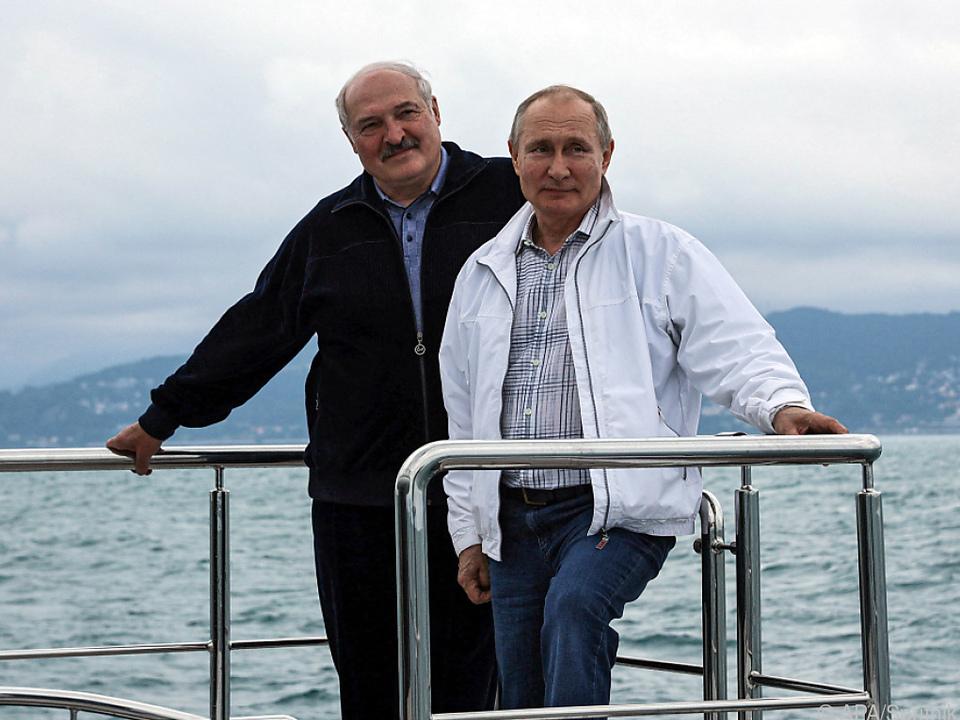 Lukaschenko und Putin demonstrieren am Schwarzen Meer Einigkeit