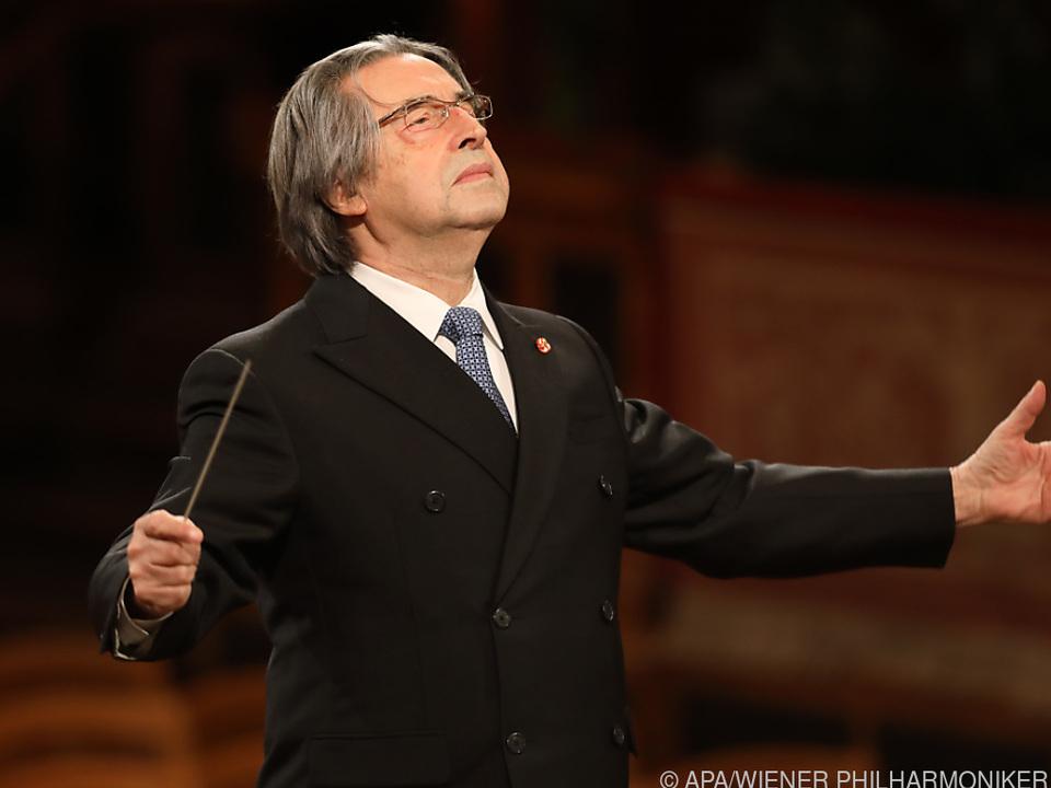 Muti dirigierte das Orchester bei den beiden Konzerten in Ravenna.