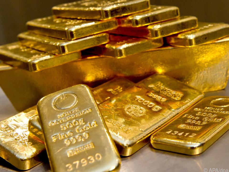 Niedrige Realzinsen lassen Gold glänzen