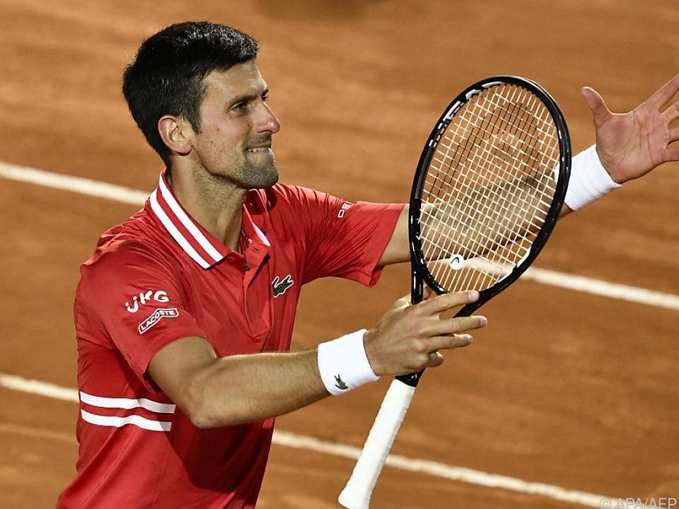 Novak Djokovic jubelt nach einem harten Arbeitstag in Rom
