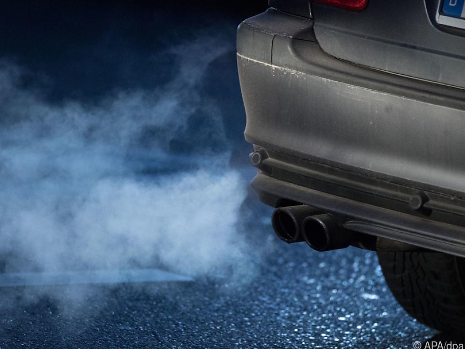 Ohne Zusatzmaßnahmen steigt CO2-Ausstoß des Verkehrs weiter