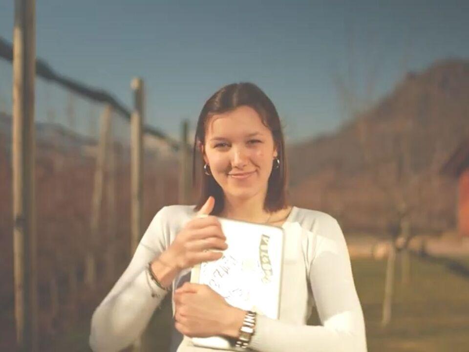Schoolswap Foto Video Emily