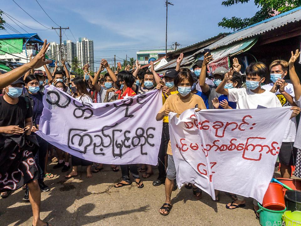 Solidaritätsbekundungen für die Betroffenen in Mindat