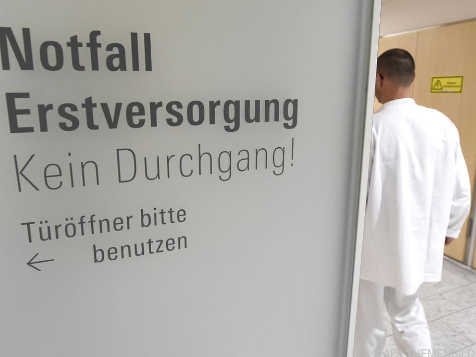 Spitalsärzte bleiben lange im Dienst