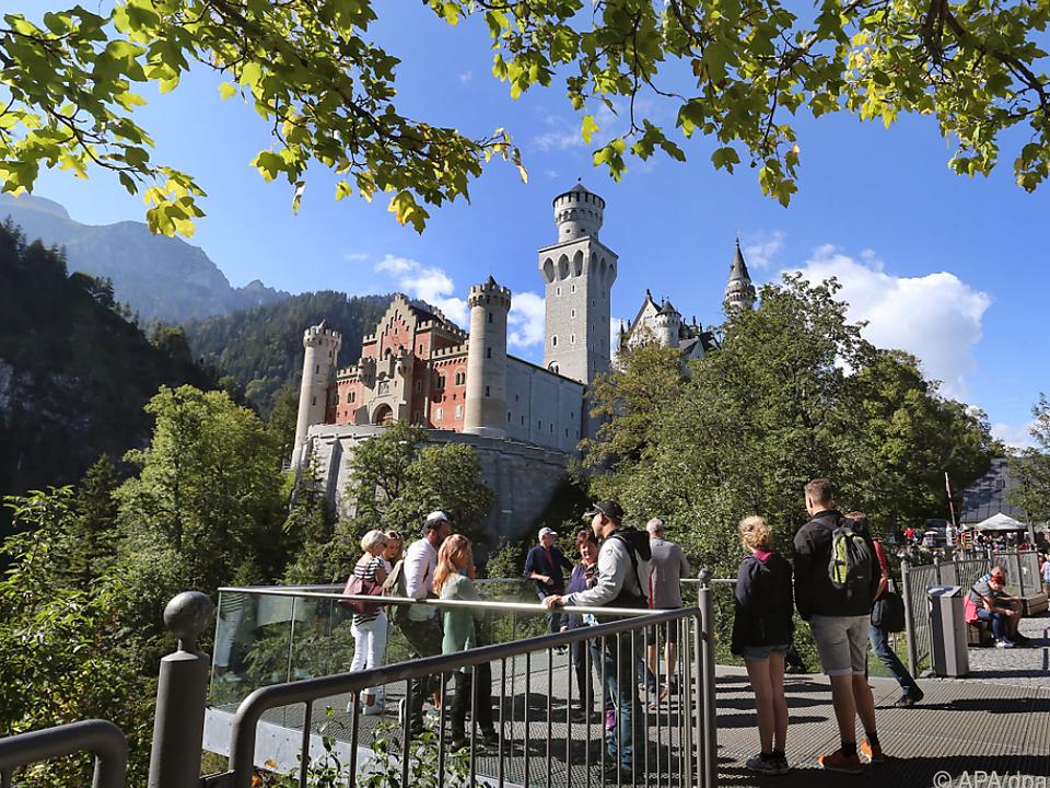 Tourismus wie hier in Neuschwanstein soll bald wieder möglich sein
