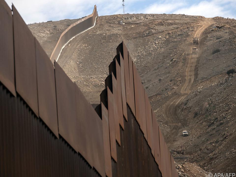 Trump wollte Geld für Mauer eigentlich von Mexiko
