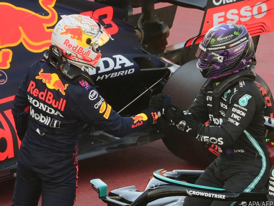 Verstappen gratuliert Hamilton in Barcelona zur 100. Pole