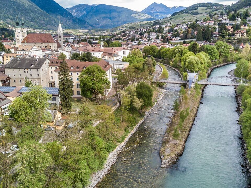 Brixen Luftaufnahme-Bressanone dall\'alto- Airview (c)  sym