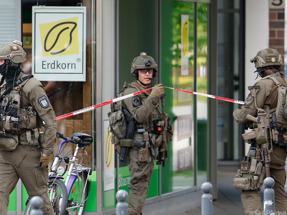Zwei leblose Personen in Dänischenhagen gefunden, eine dritte in Kiel