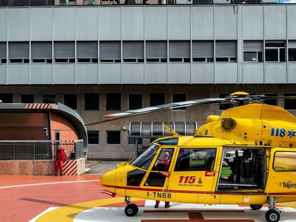 1114177_20210629_Gesundheitsbauten_IvoCorra_In den kommenden Jahren soll unter anderem der Sitz der Rettungsdienste am Krankenhaus Bozen erweitert werden. pelikan sym