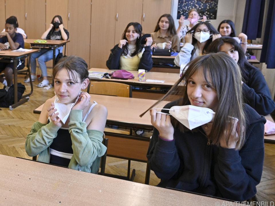 Ab heute brauchen alle Schüler in der Klasse keine Maske mehr