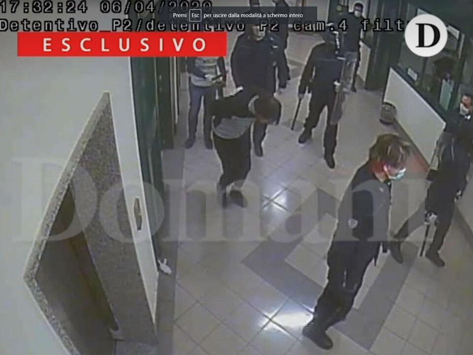 Si respira aria di smarrimento e disillusione tra i poliziotti penitenziari del carcere di Santa Maria Capua Vetere (Caserta) dopo gli arresti e le sospensioni di oltre 50 agenti in servizio proprio all\'istituto casertano, coinvolti nell\'indagine della Procura sui pestaggi nei confronti dei detenuti del reparto Nilo avvenuti il 6 aprile del 2020;, Rom, Gugno 2021. athesiadruck2_20210630205743371_07df312188dae0fbf58d10b9e19898b6