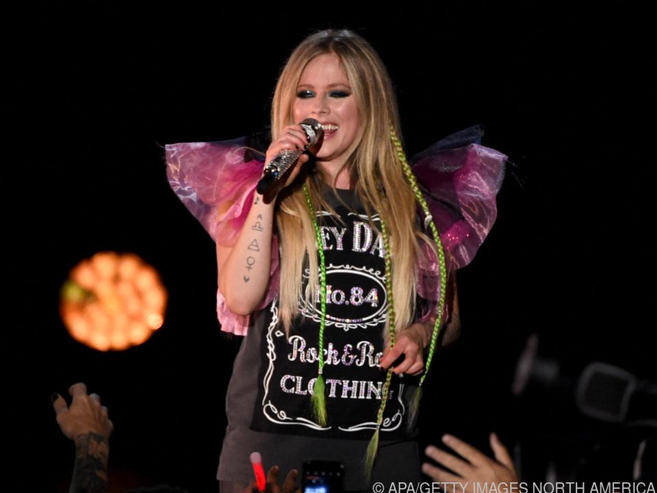 Avril Lavigne nutzt nun auch TikTok