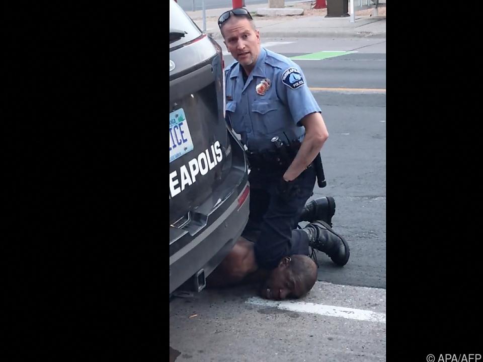 Bild aus Video über Tötung von George Floyd