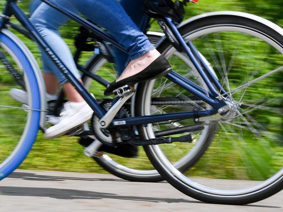 Coronapandemie lässt Nachfrage nach Fahrrädern nach oben schnellen.