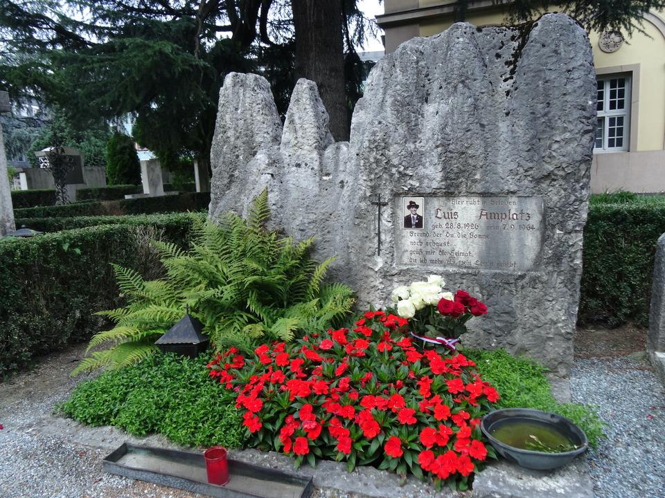 Das Grab von Luis Amplatz