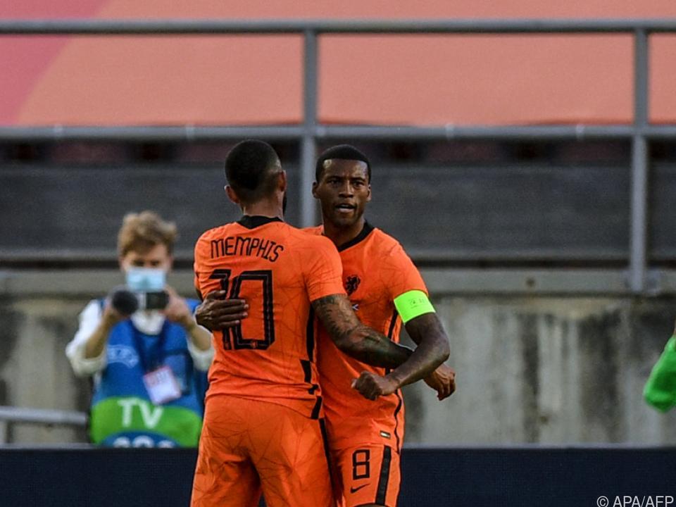 Depay traf für Niederlande gegen Schottland