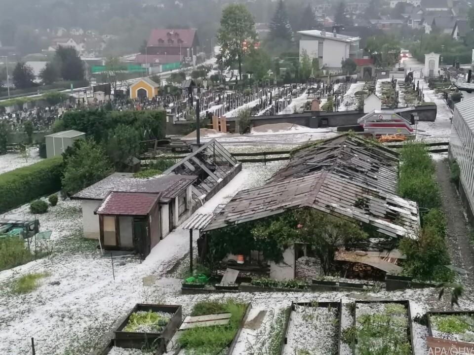Der Hagel verwüstete Gärten und Landwirtschaftliche Flächen