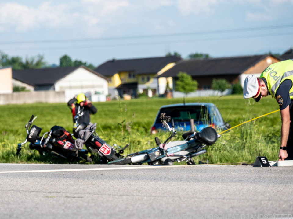 Der Unfall forderte zwei Tote und mehrere Verletzte