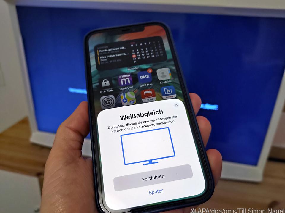 Einstellungen aufrufen, iPhone in die Nähe des Apple TV halten - los geht es