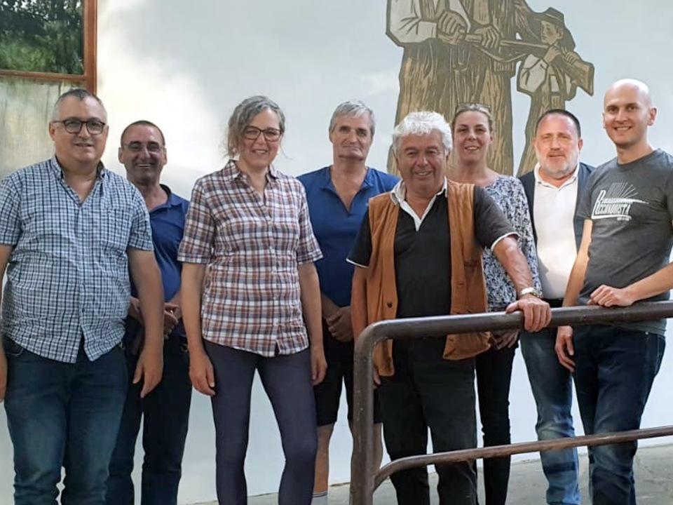 Freiheitliche Ortsgruppe Meran  mit ihrem Obmann und Bürgermeisterkandidat Otto Waldner - vierter v.r.n.l.