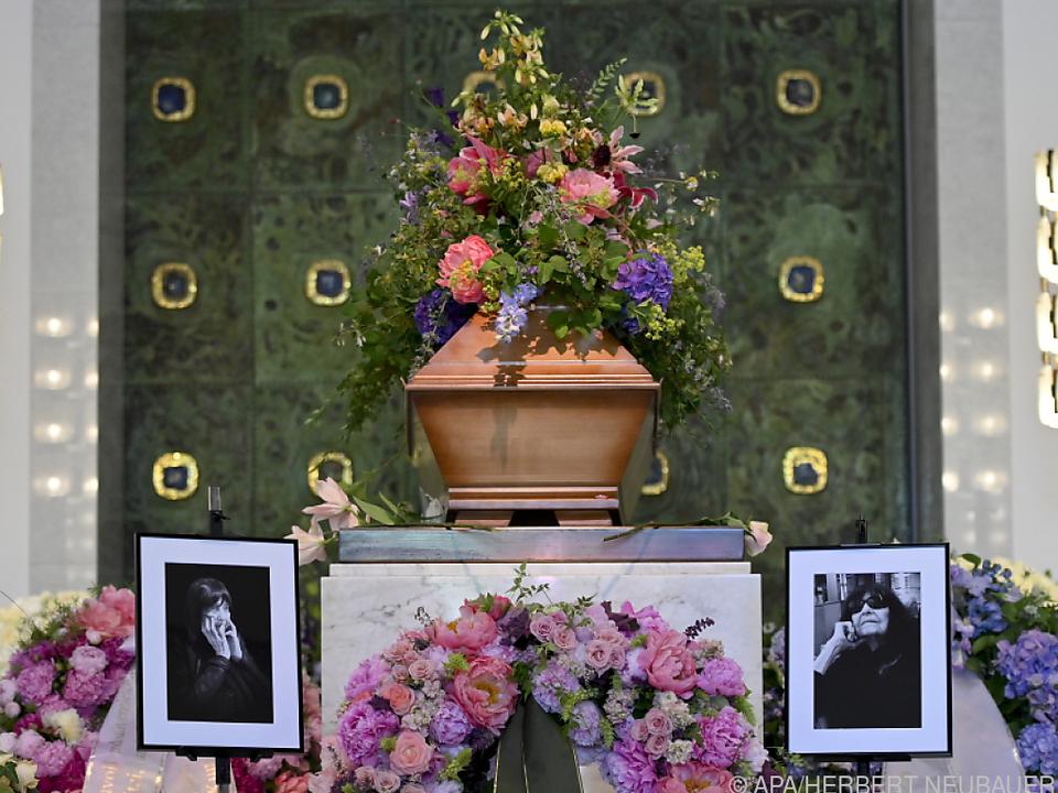 Friederike Mayröcker wurde heute begraben