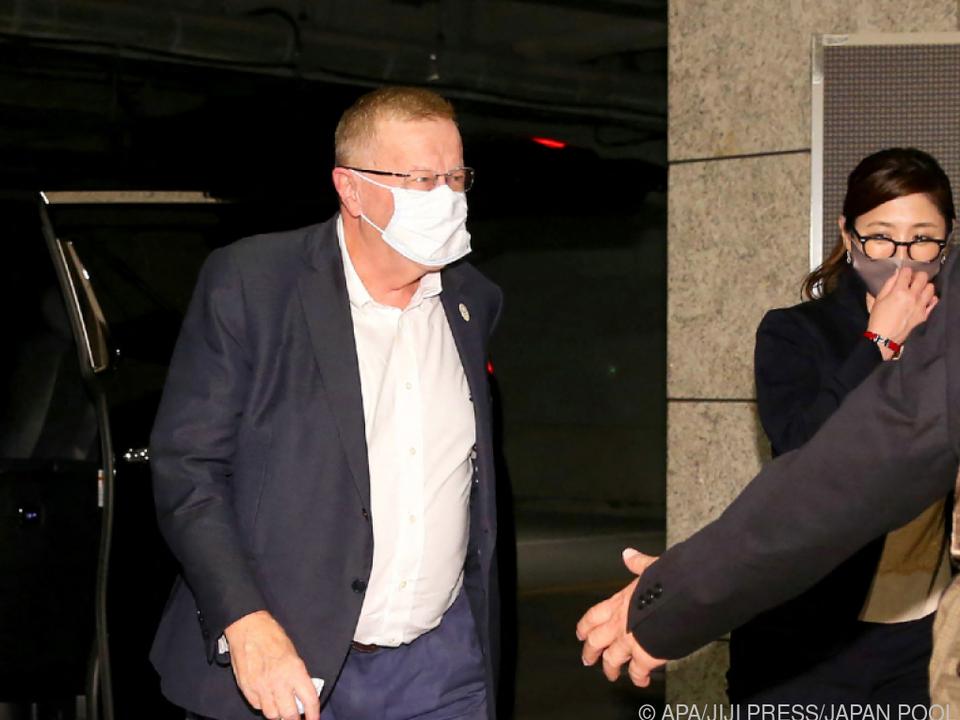 IOC-Vizepräsident Coates in Tokio eingetroffen