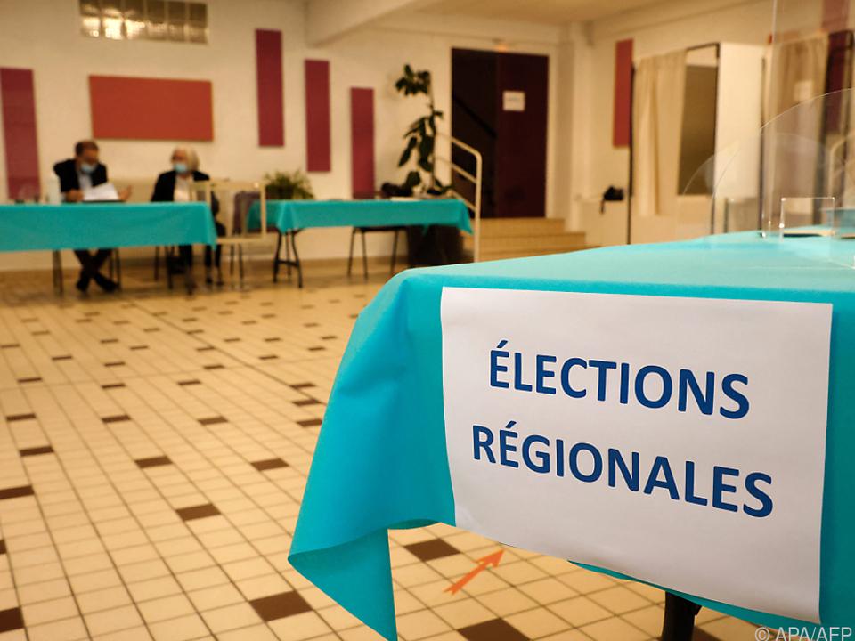 Wahlprognose zu Frankreich: Sarkoszys Konservative liegen vor Le Pens Rechtspopulisten