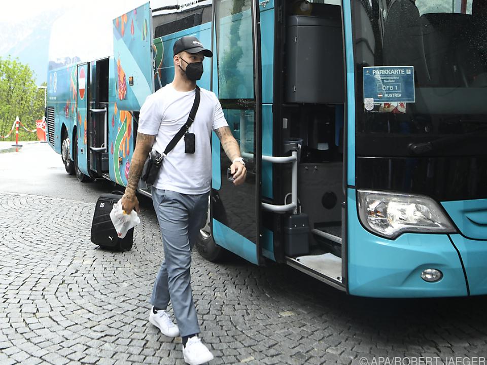 Marko Arnautovic stieg nur mit leichtem Gepäck aus dem Bus