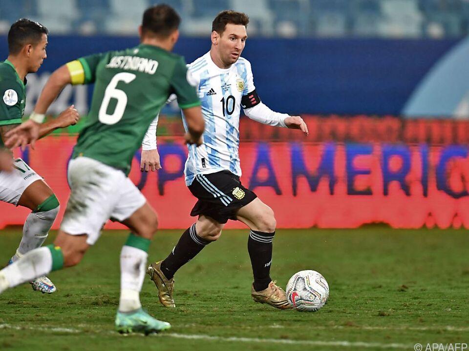 Messi einmal mehr die zentrale Figur im Spiel