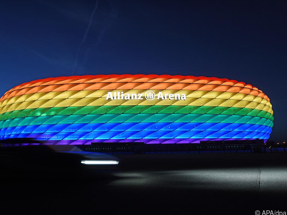 Münchner Arena darf nicht in Regenbogenfarben strahlen