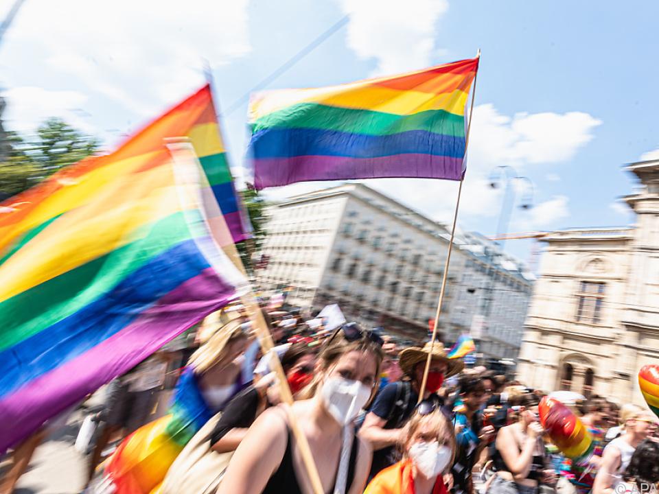 Regenbogenparade auf der Wiener Ringstraße