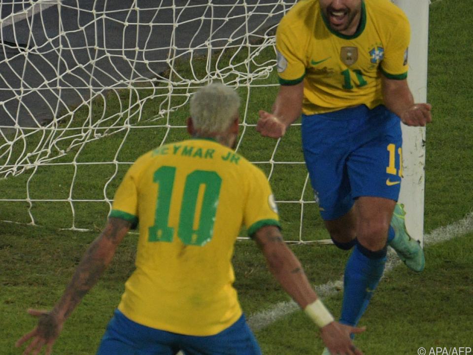 Ribeiro und Neymar feiern mit Brasilien einen 4:0-Sieg