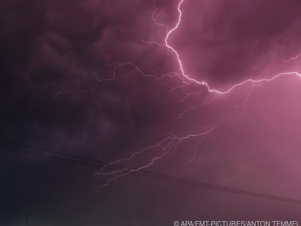 Salzburg erneut von Gewittern heimgesucht unwetter blitz