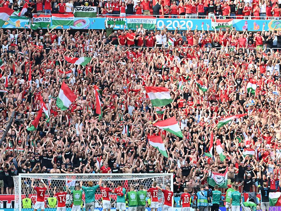 Ungarische Jubelbilder nach dem 1:1 gegen Frankreich